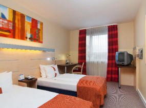 Holiday Inn Express Duesseldorf City Nord 3*, �����������, ����� ��������