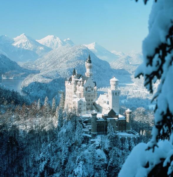 Замок нойшванштайн neuschwanstein